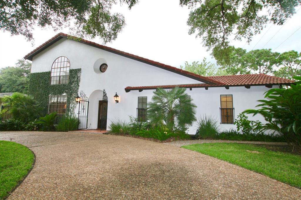 2519 Oak Drive, Bay City, TX 77414 - Bay City, TX real estate listing