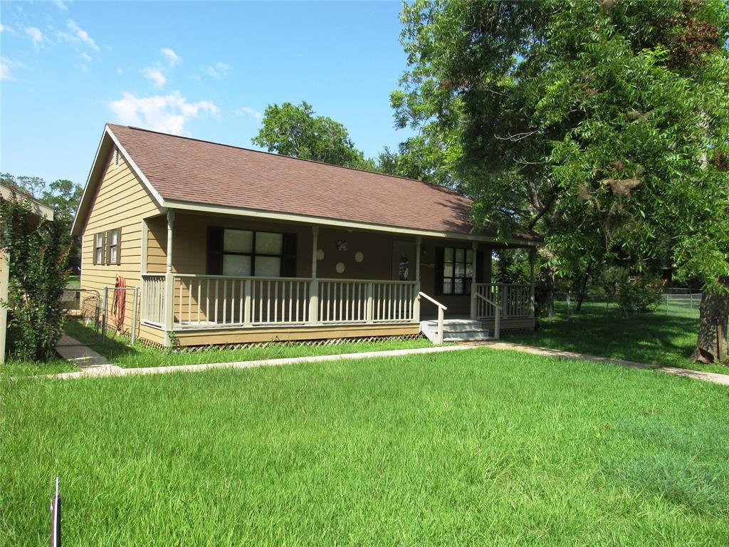 242 Sir Lancelot Drive N Property Photo - Sargent, TX real estate listing