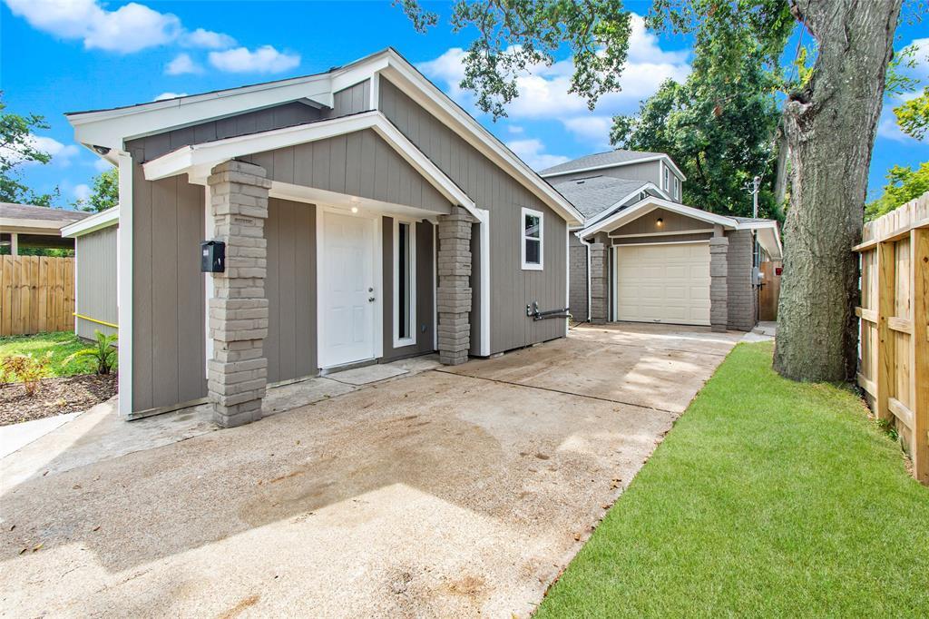 2010 Caplin Street Property Photo - Houston, TX real estate listing