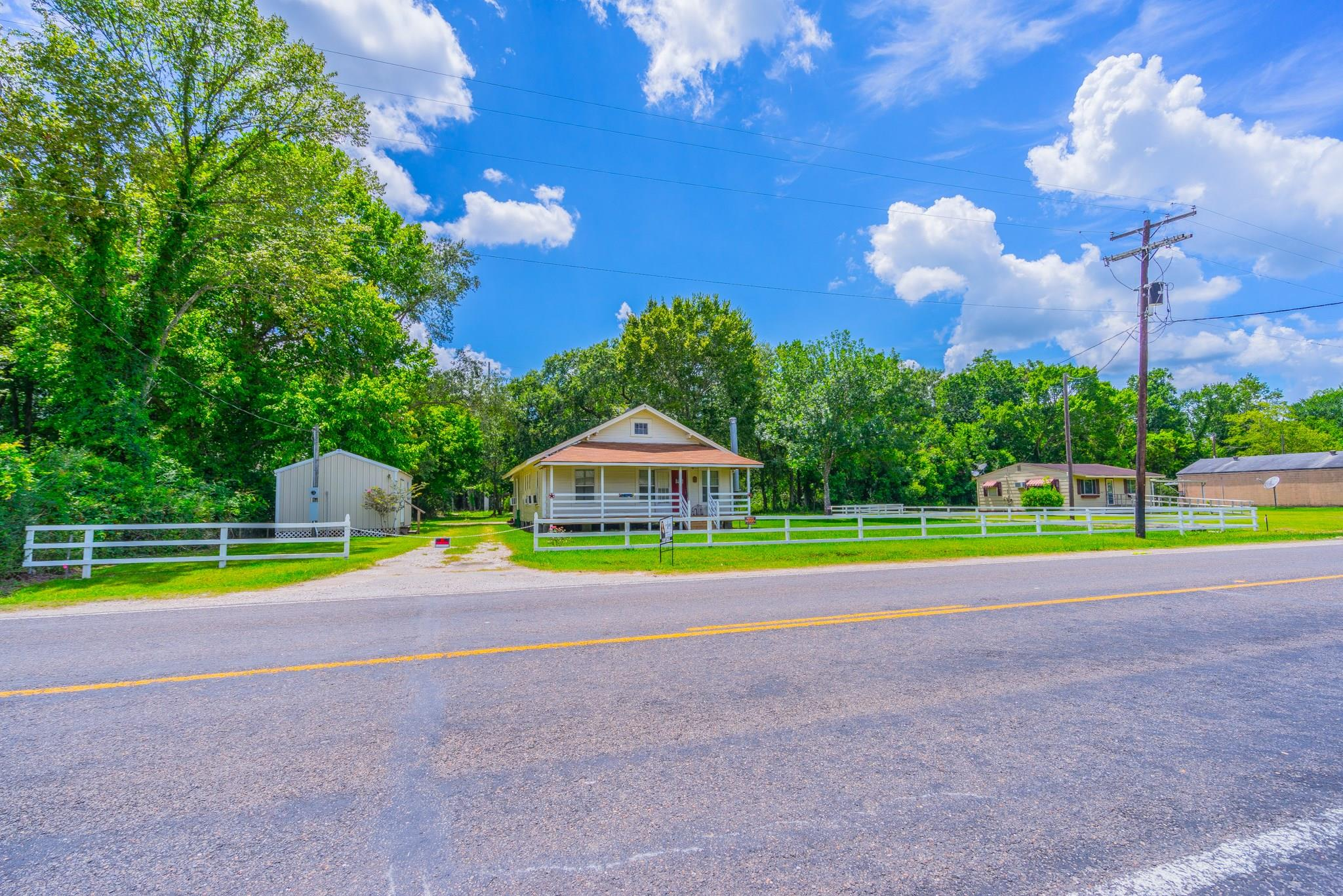 7454 Fm 834 E Property Photo - Hull, TX real estate listing