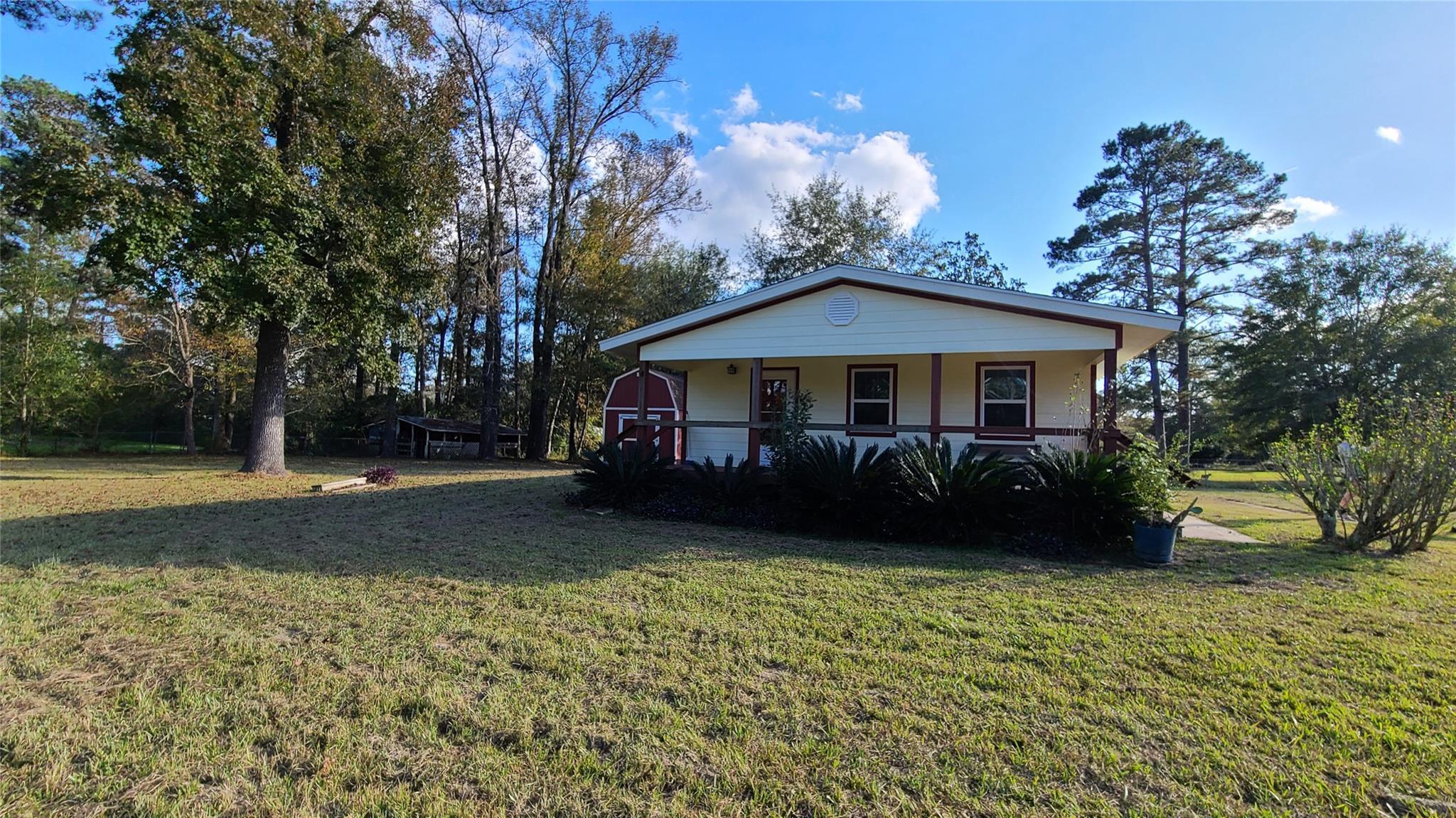 1720 Cariker Property Photo - Kountze, TX real estate listing