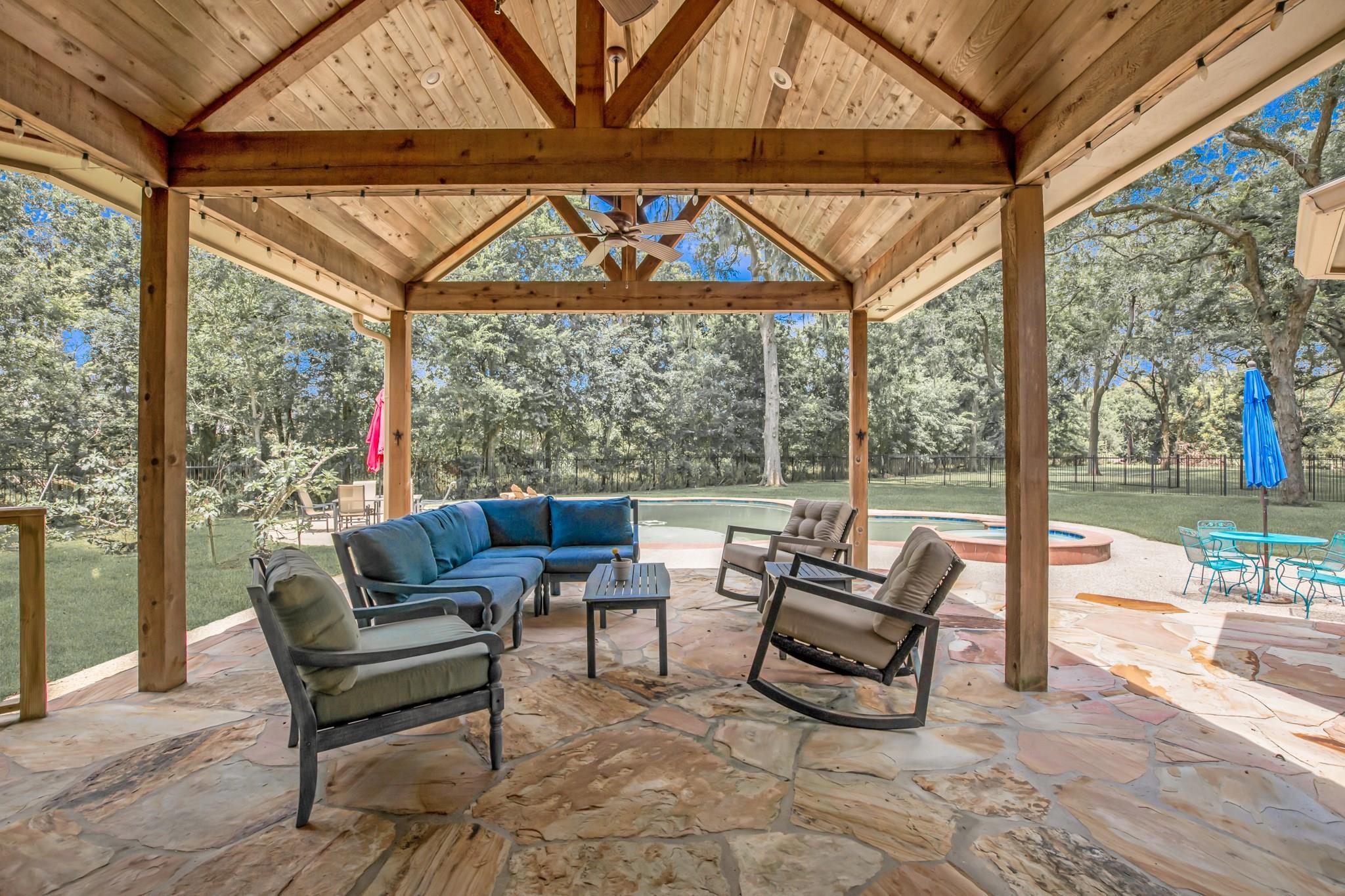 6003 Old Oak Circle Property Photo