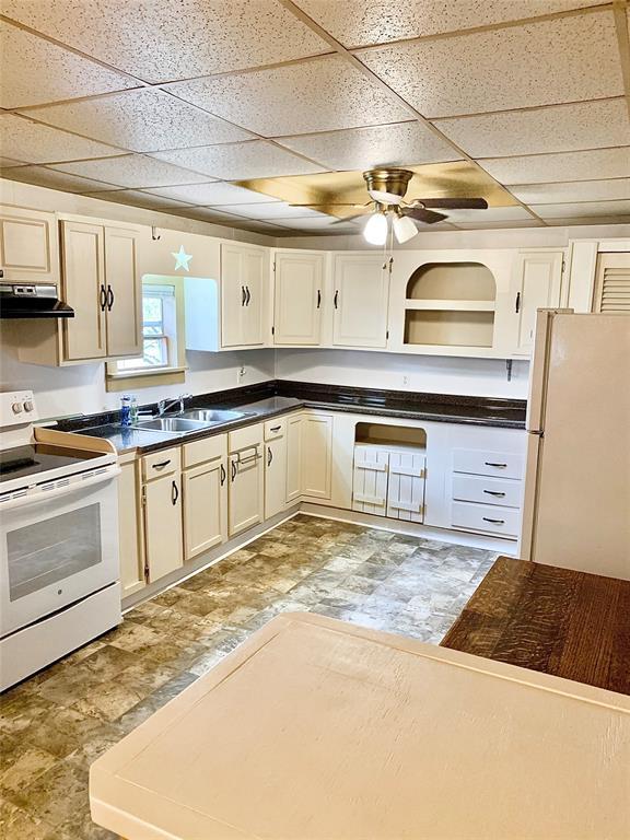 206 Perkins Street Property Photo - Zavalla, TX real estate listing
