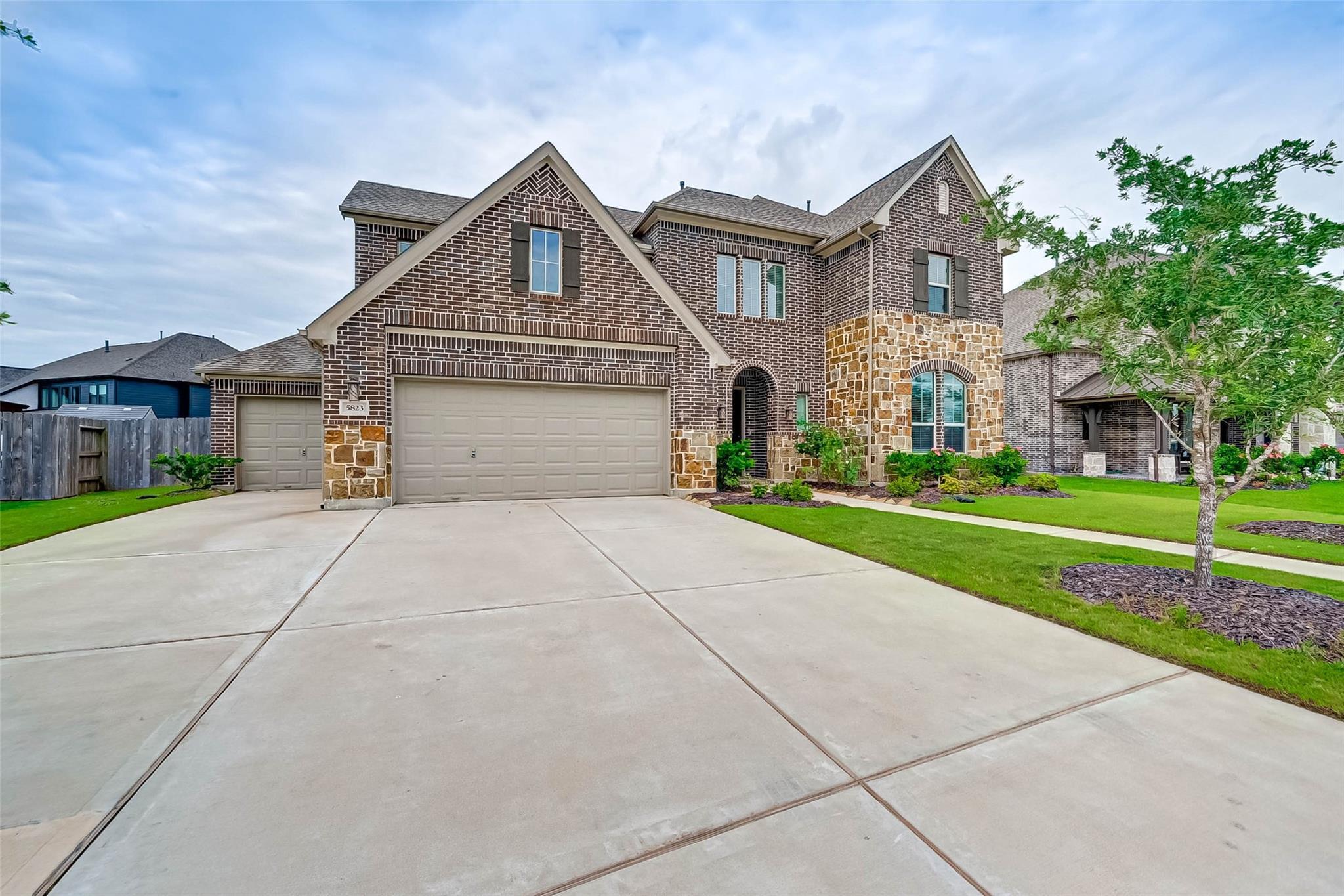 5823 Nickel Bend Lane Property Photo 1