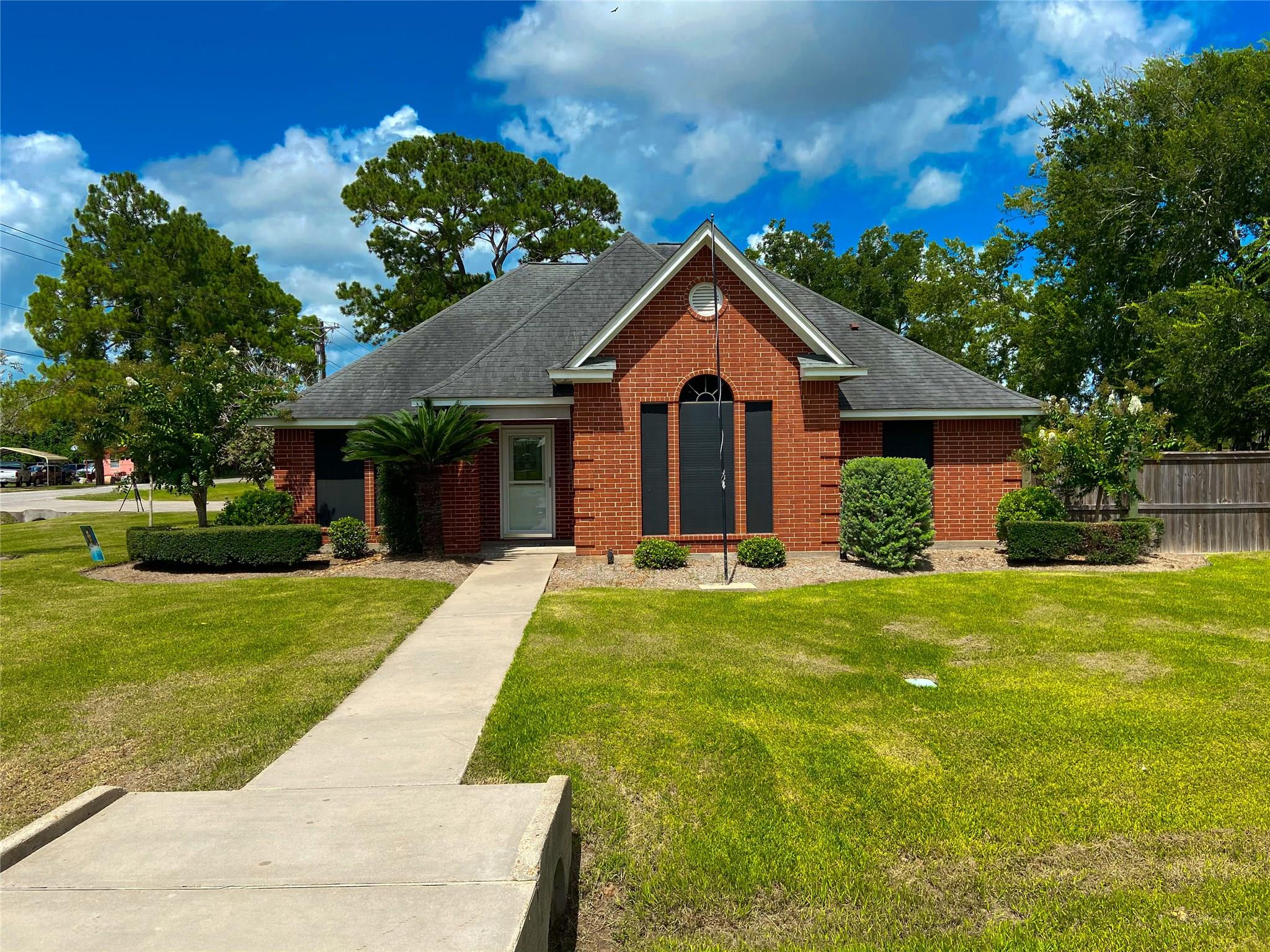 202 Silverleaf Road Property Photo - Sweeny, TX real estate listing