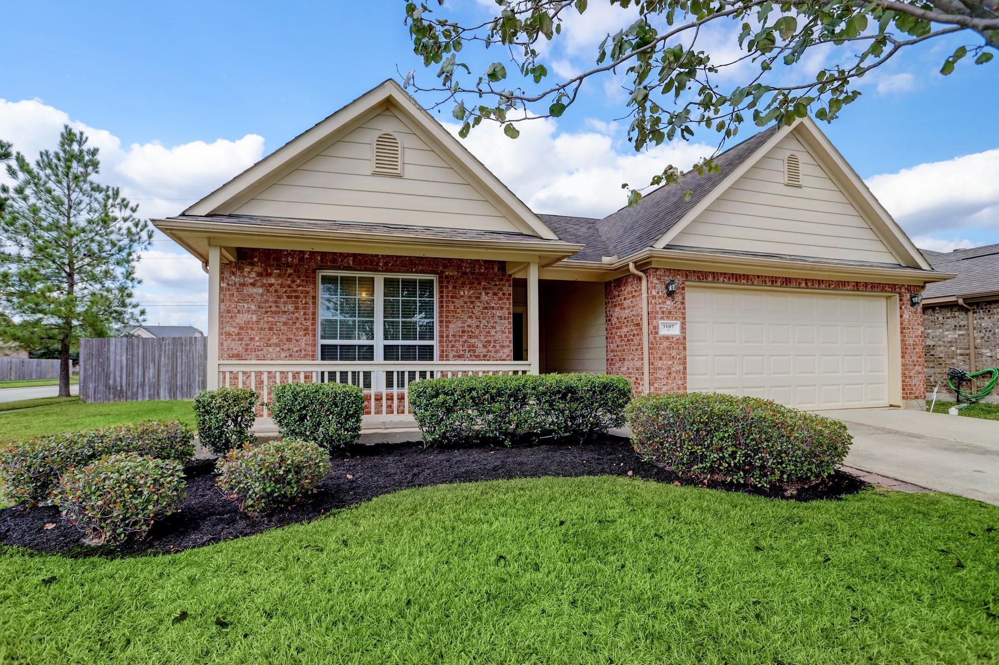 184 Real Estate Listings Main Image