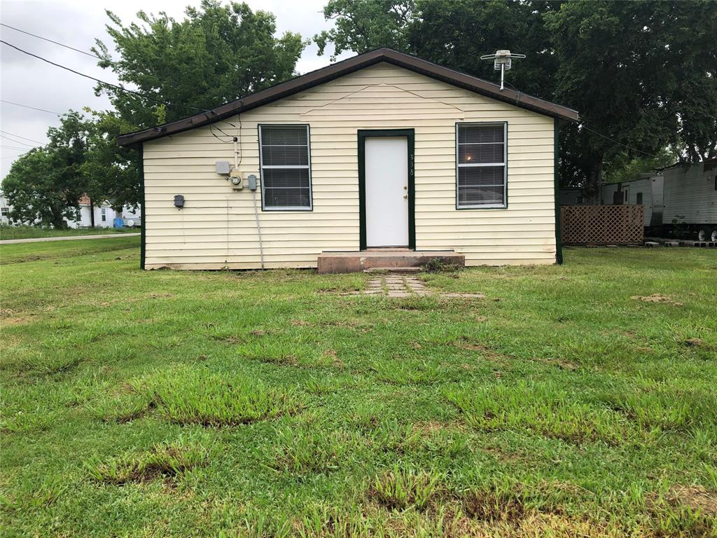 338 & 517 5th Street Property Photo - Van Vleck, TX real estate listing