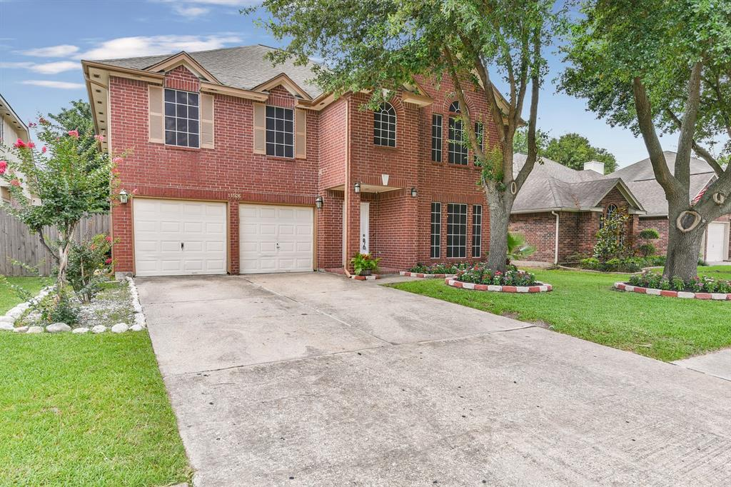 11526 Meadowchase Drive Property Photo - Houston, TX real estate listing