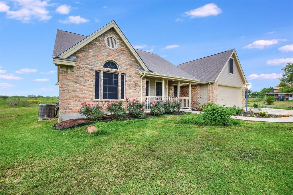 1163 Altwein Property Photo - New Braunfels, TX real estate listing