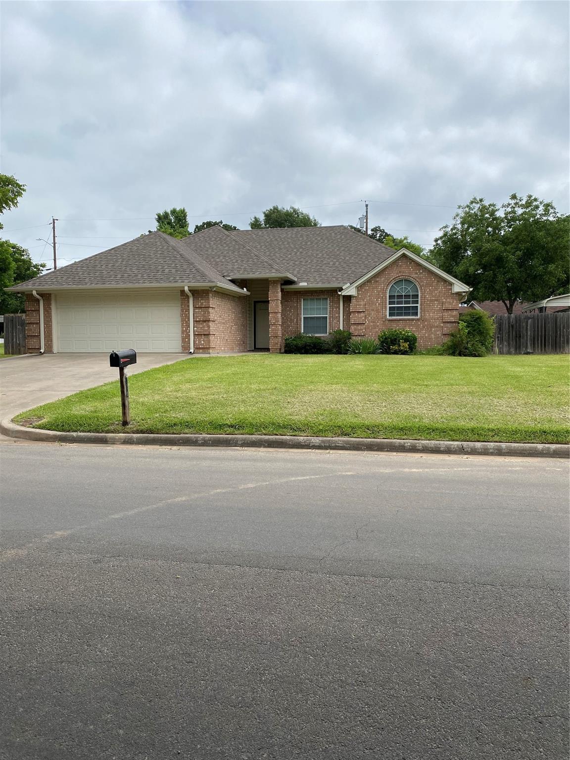 211 Choctaw Drive Drive Property Photo