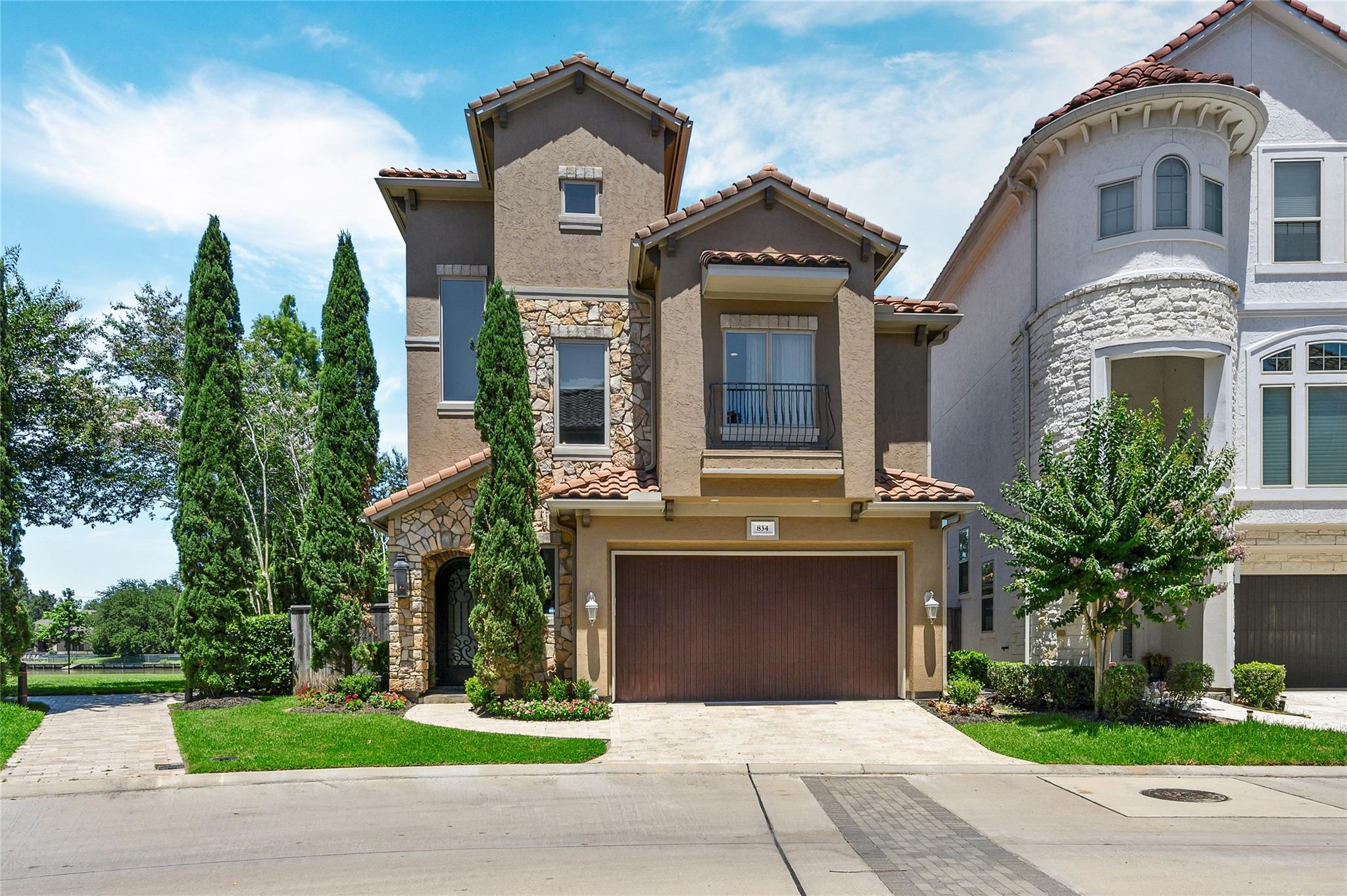834 Old Oyster Trail Property Photo - Sugar Land, TX real estate listing
