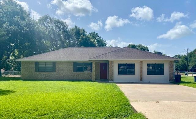 6011 4th Street Property Photo - Danbury, TX real estate listing