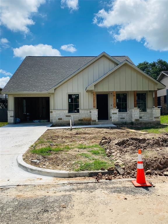 340 Sandridge Drive Property Photo - Giddings, TX real estate listing
