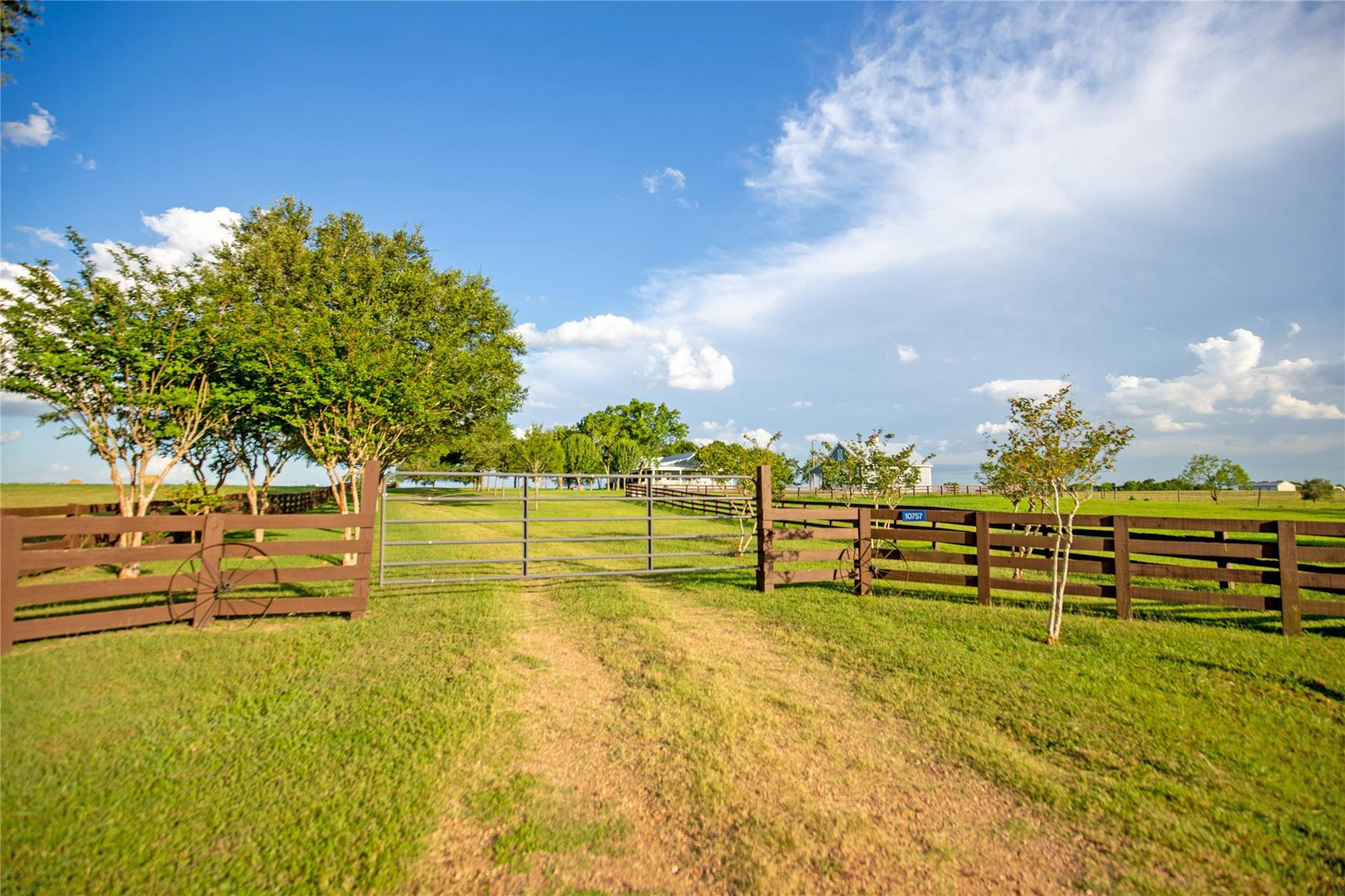 10757 Rocky Road Property Photo - Bellville, TX real estate listing