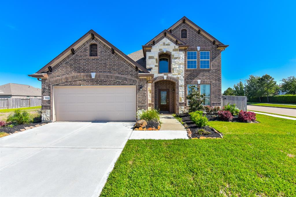 602 Havenstone Lane Property Photo - La Marque, TX real estate listing