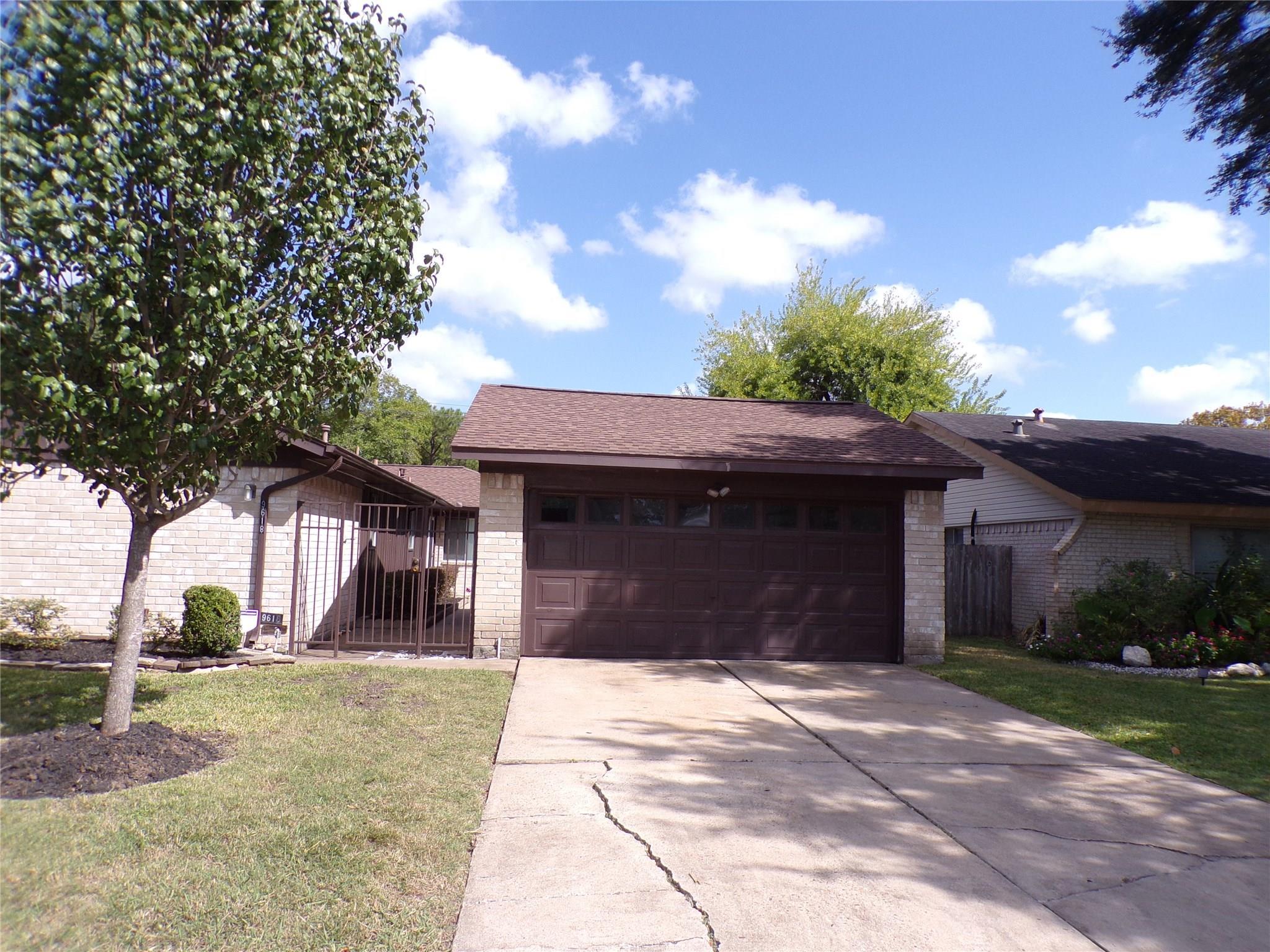 9618 Ravensworth Drive Property Photo - Houston, TX real estate listing