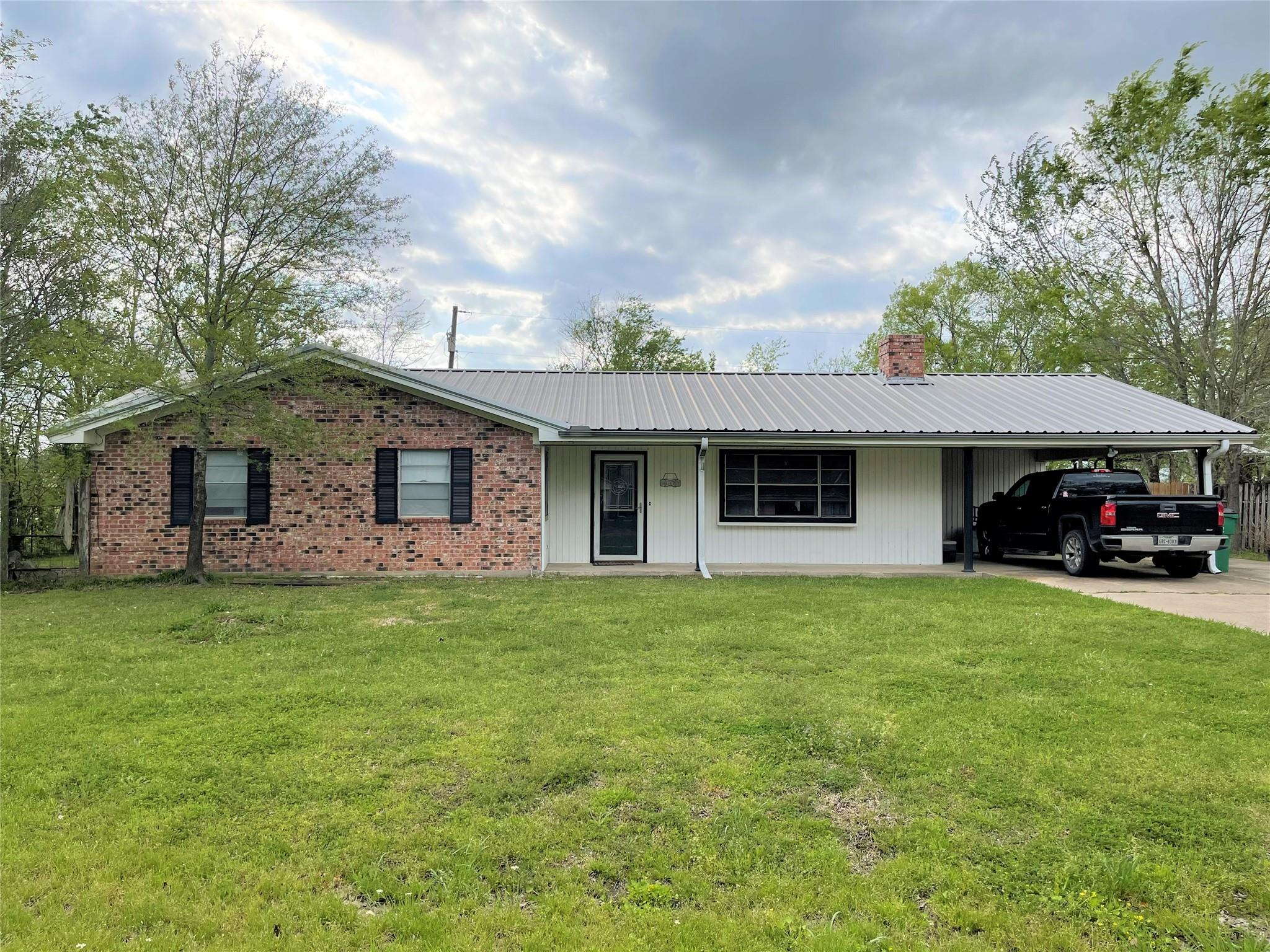 825 Stardust Lane Property Photo - Fairfield, TX real estate listing