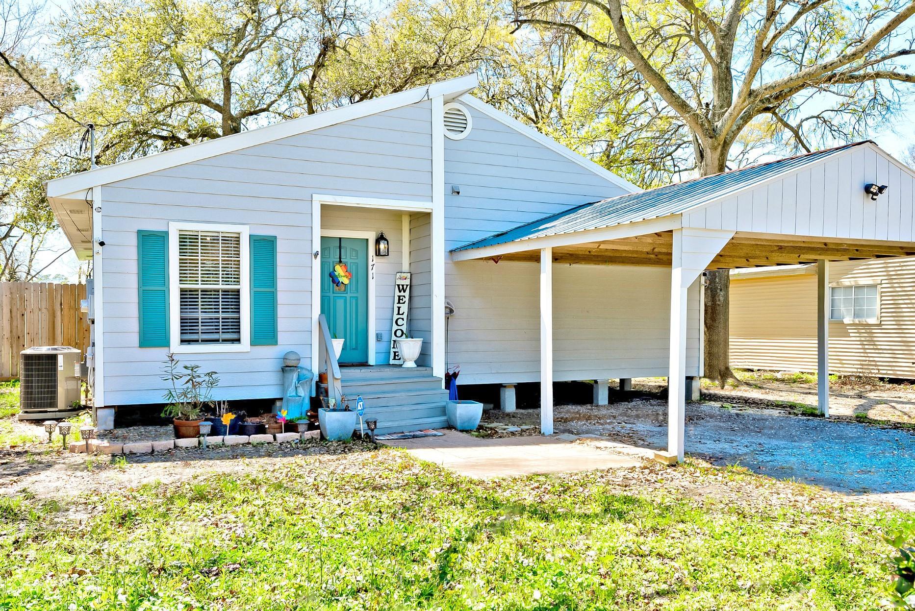 171 W Darby Street Property Photo - Bridge City, TX real estate listing