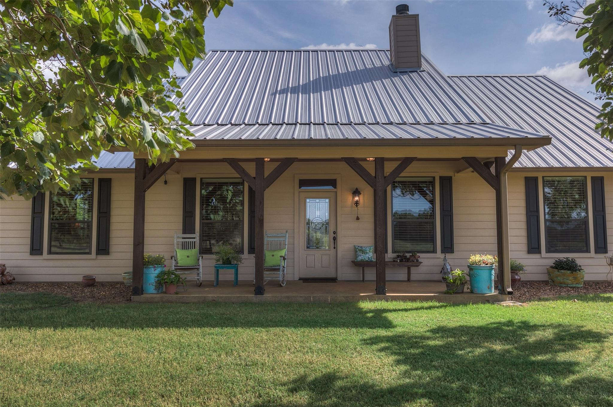 1750 County Road 3211 Property Photo - Jewett, TX real estate listing