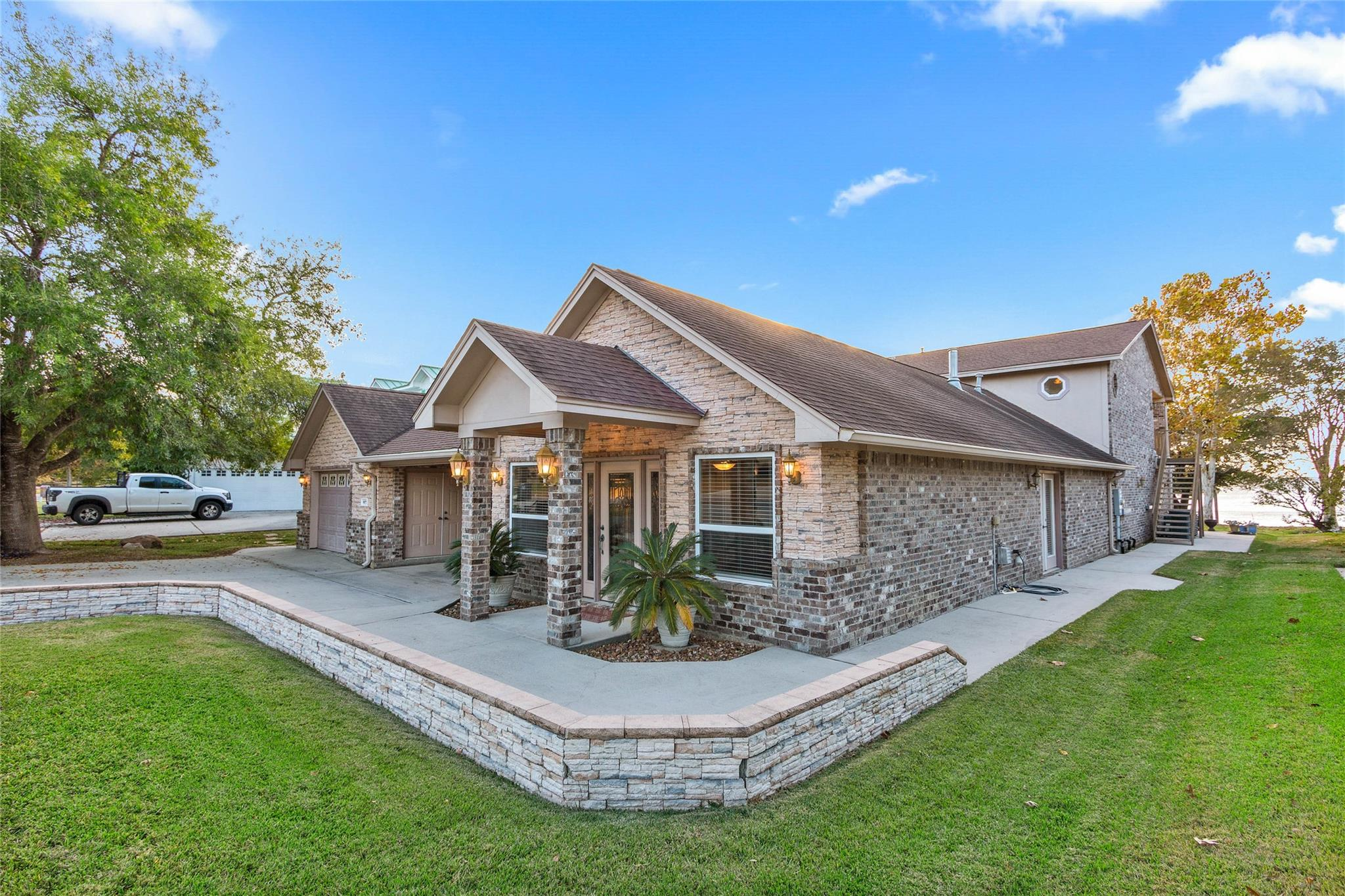 9877 W Shore Drive Property Photo - Willis, TX real estate listing