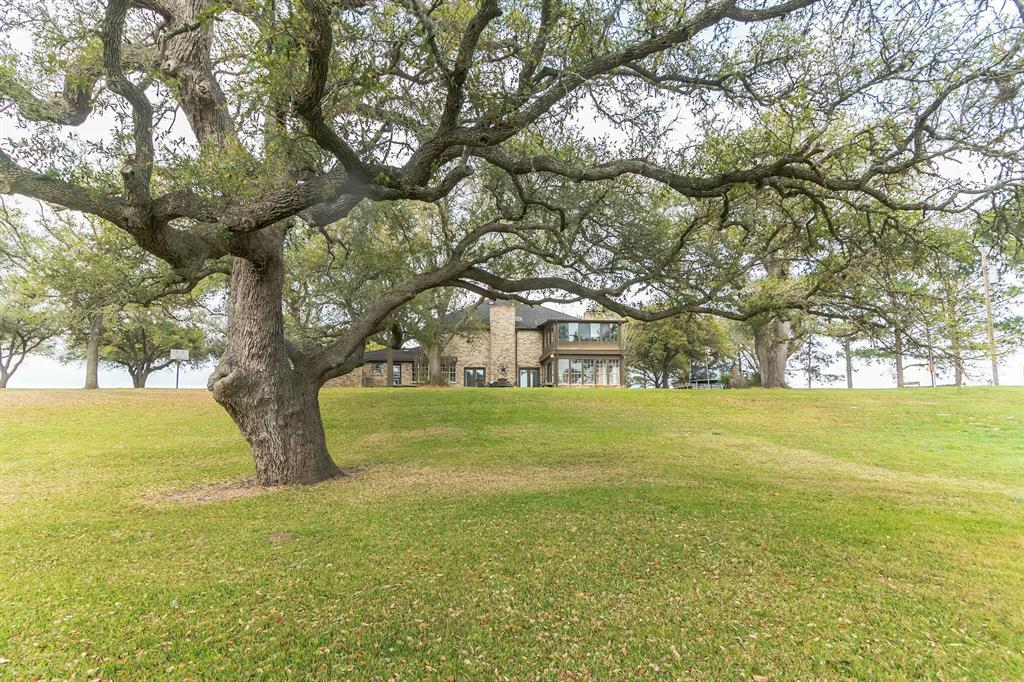 699 County Road 198, Hallettsville, TX 77964 - Hallettsville, TX real estate listing
