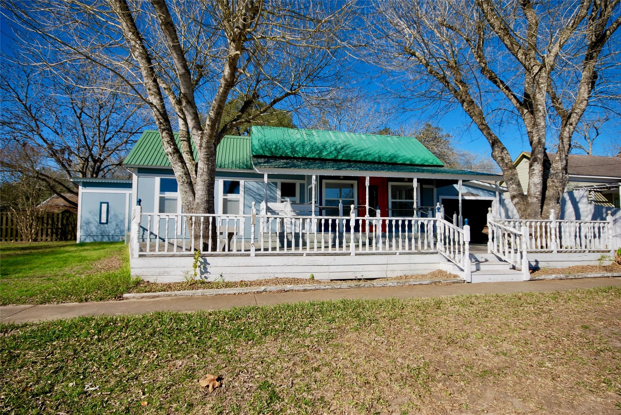 303 N Main Property Photo - Moulton, TX real estate listing