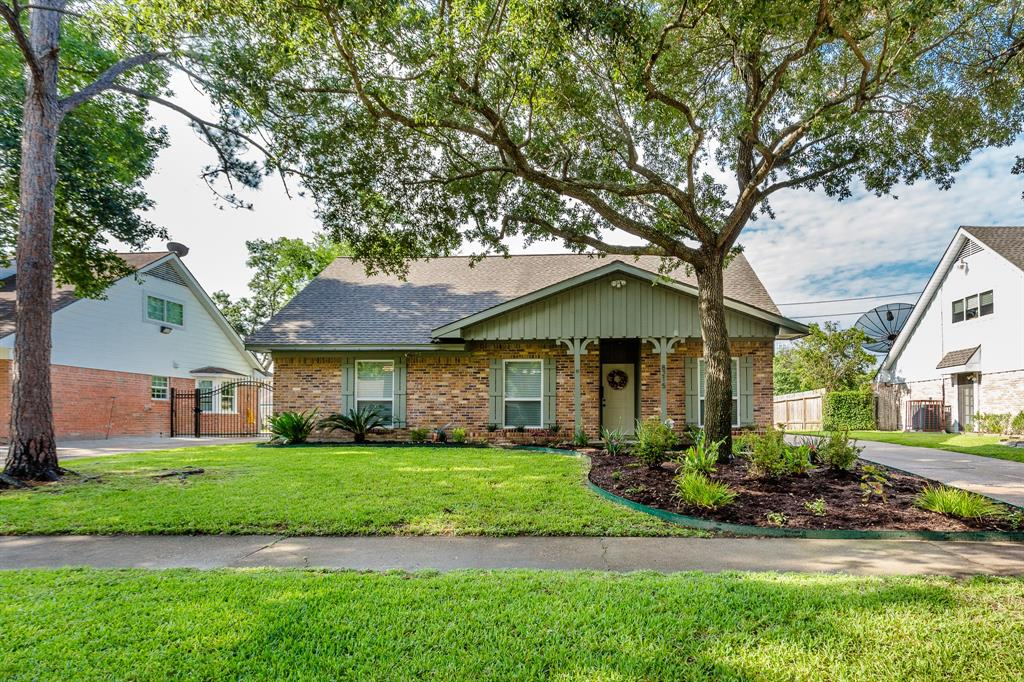 8215 Hazen Street Property Photo - Houston, TX real estate listing