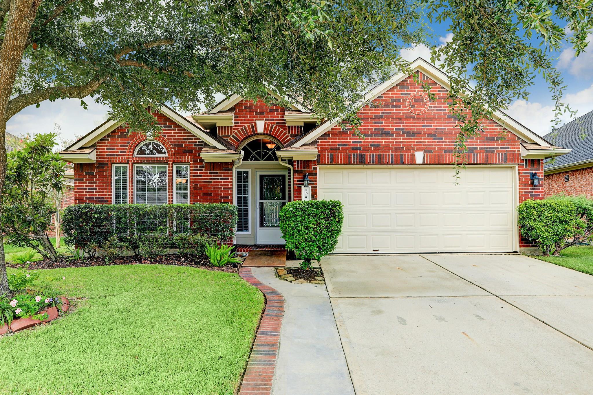 5210 Camarosa Drive Property Photo - Pasadena, TX real estate listing