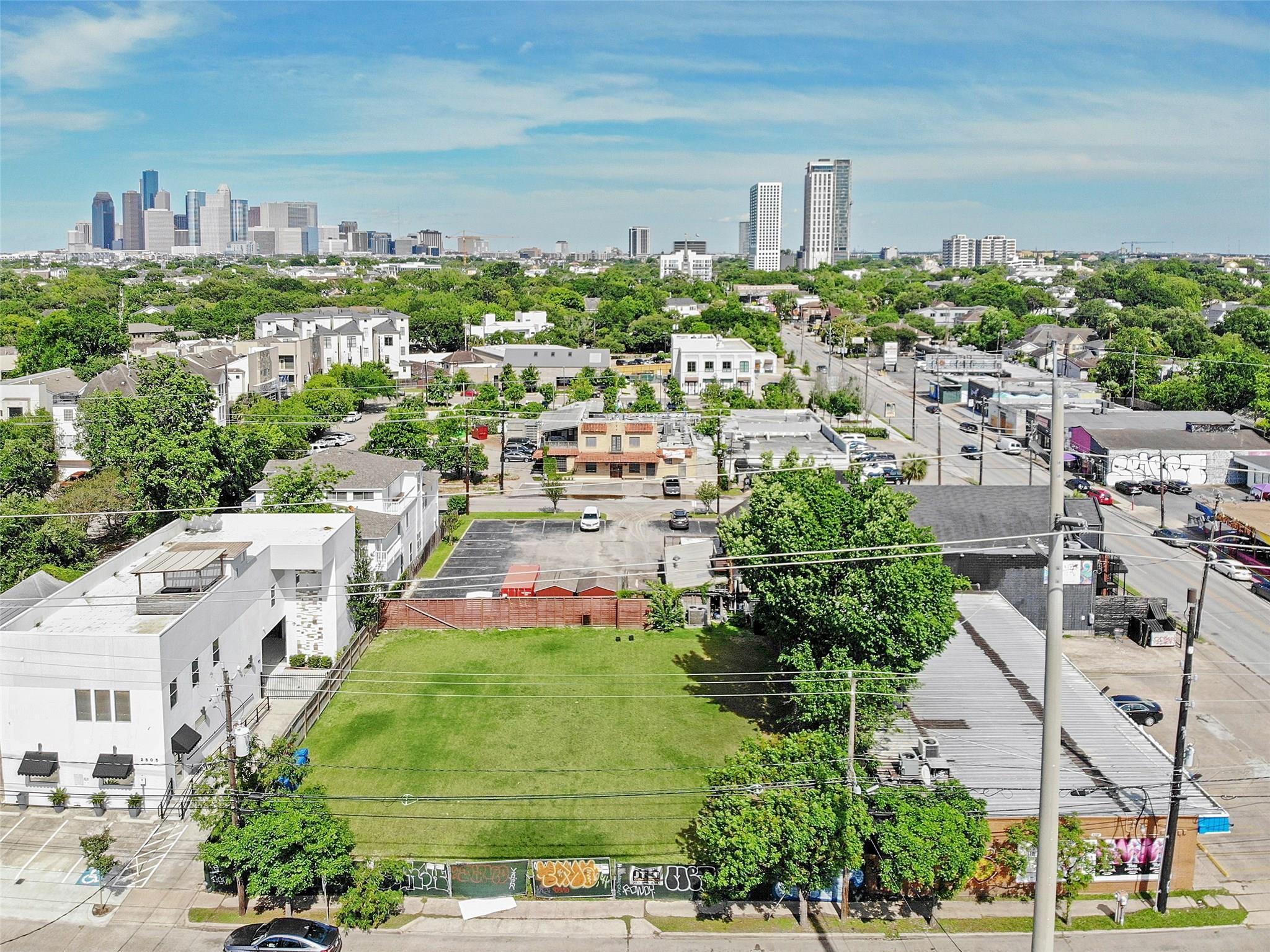 2509 Dunlavy Street Property Photo - Houston, TX real estate listing
