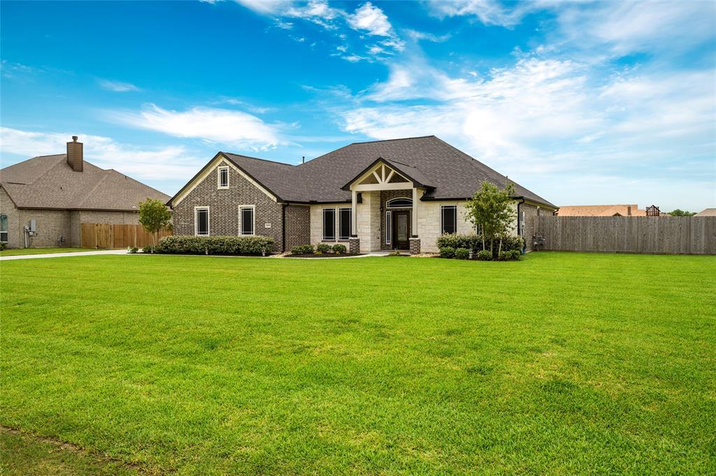 4610 Pineloch Bayou Drive Property Photo - Baytown, TX real estate listing