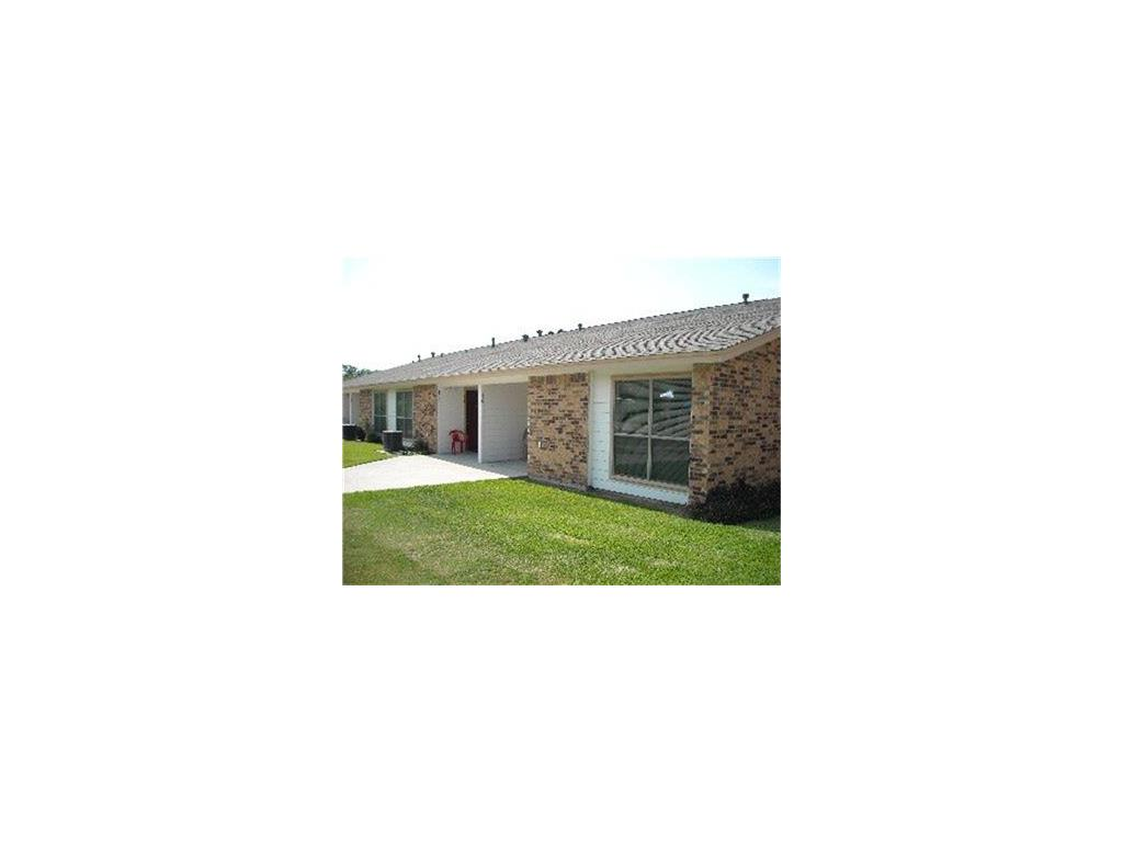 114 W 10th Property Photo - Nixon, TX real estate listing