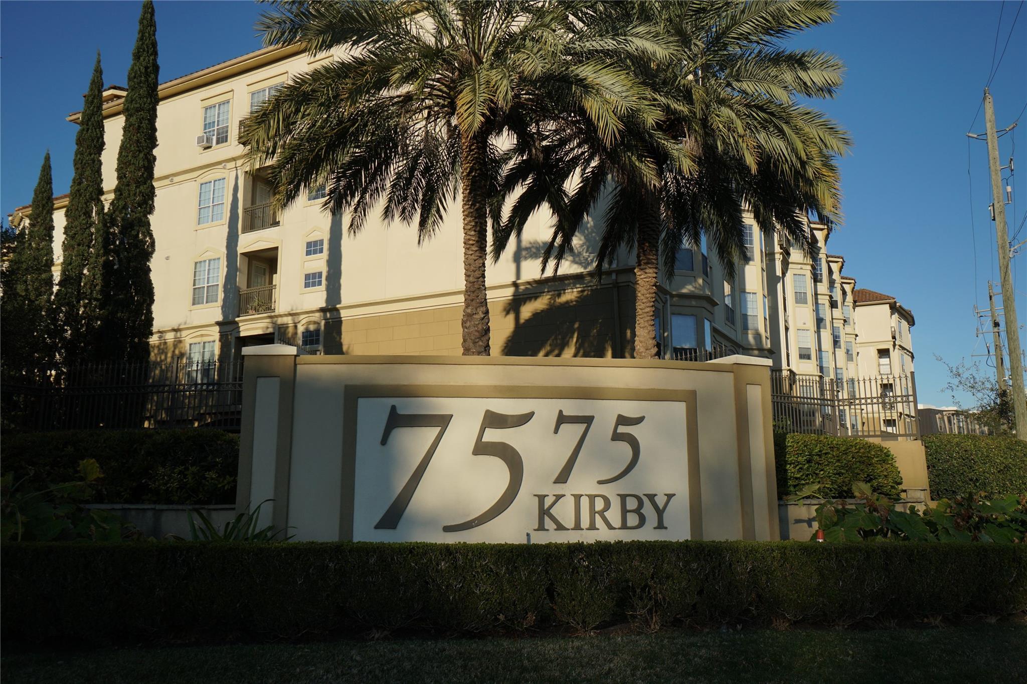7575 Kirby Drive #3204 Property Photo - Houston, TX real estate listing