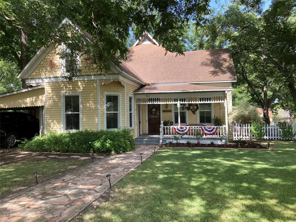 302 N Depot Property Photo - Moulton, TX real estate listing