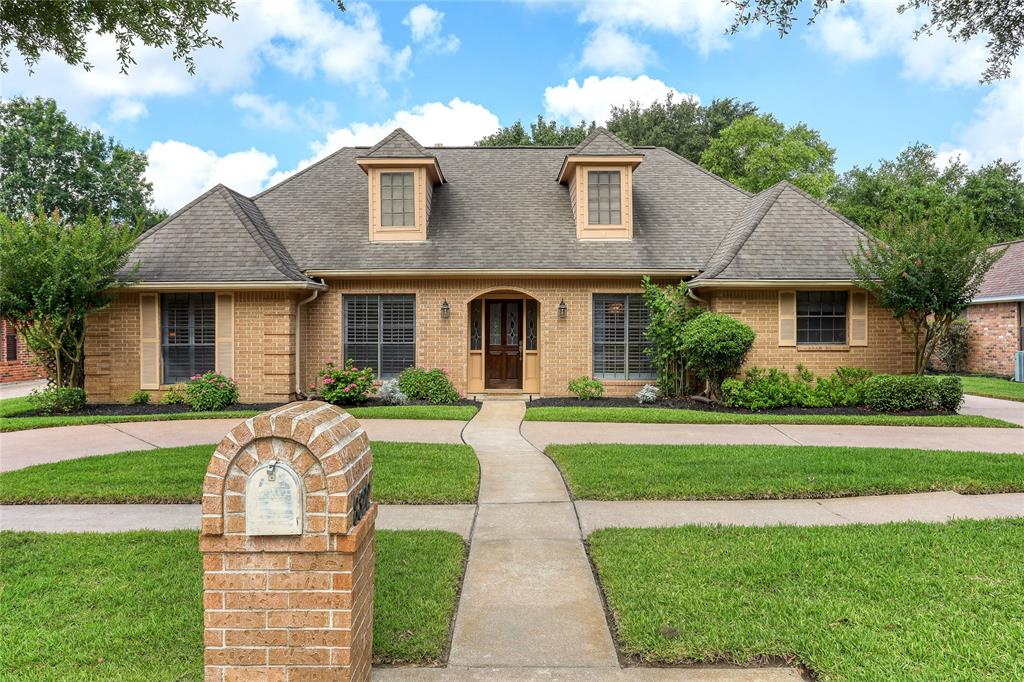 8322 Achgill Street Property Photo - Jersey Village, TX real estate listing