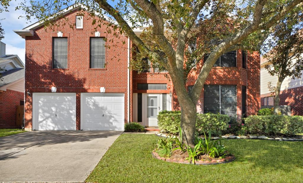12522 Meadowglen Drive, Meadows Place, TX 77477 - Meadows Place, TX real estate listing
