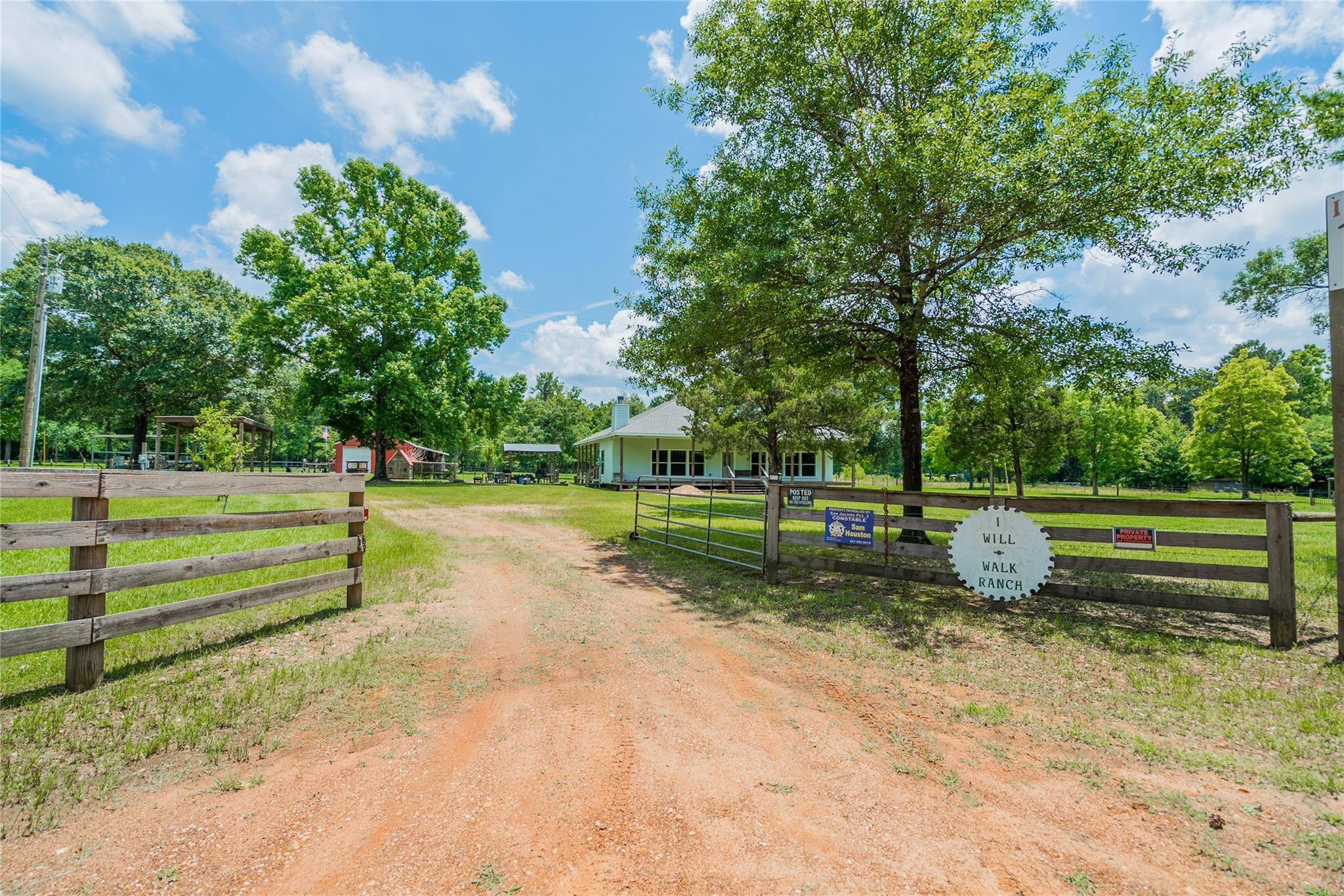 1003 Ellisor Road Property Photo - New Waverly, TX real estate listing