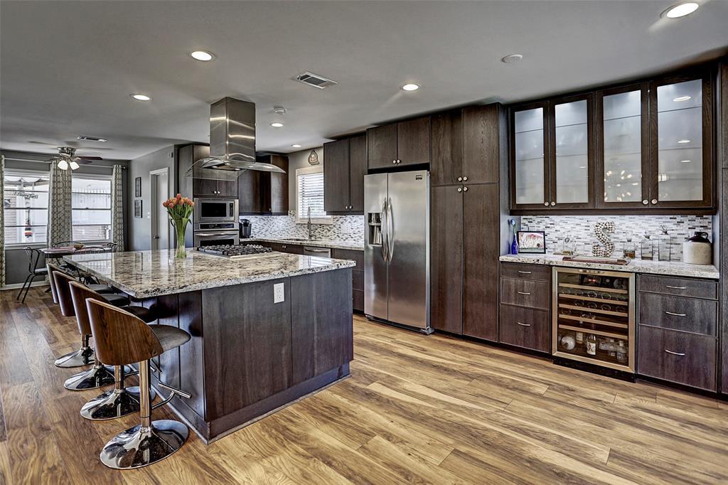 7638 Montglen Street Property Photo - Houston, TX real estate listing