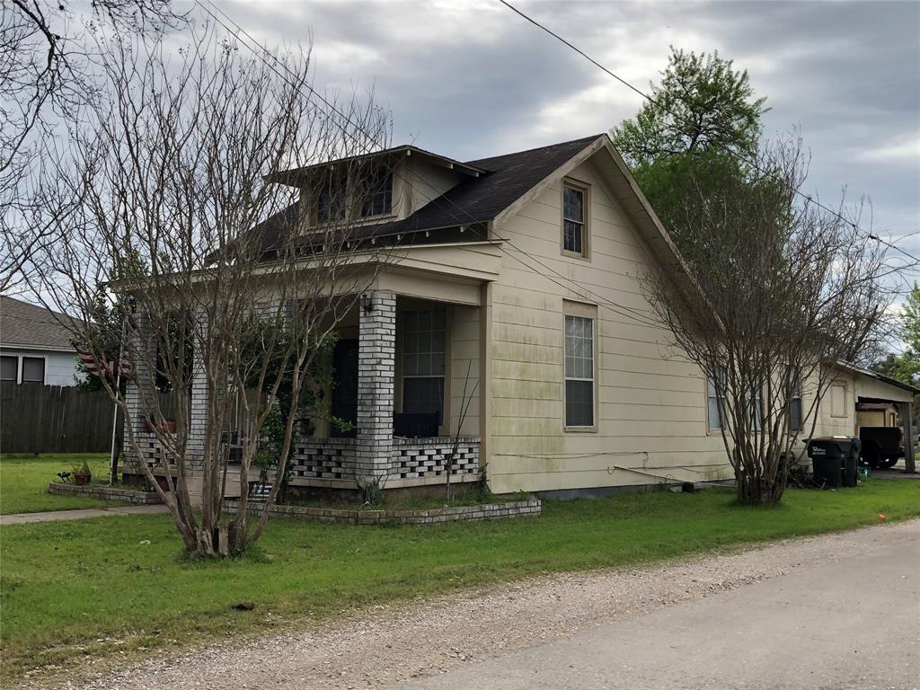 314 S Penn Street Property Photo - Flatonia, TX real estate listing