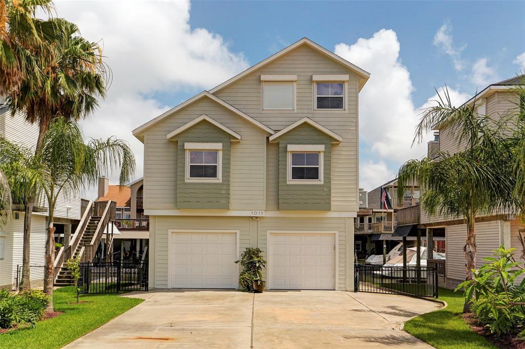 1015 Short Reach Drive, Tiki Island, TX 77554 - Tiki Island, TX real estate listing