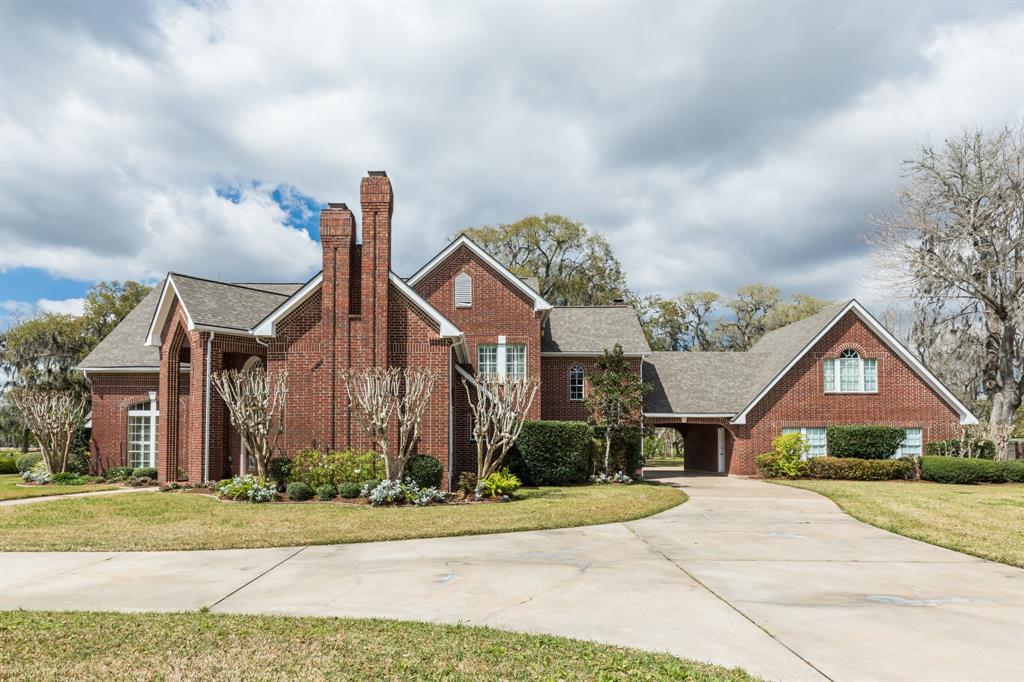 3 Lakewood Lane, Lake Jackson, TX 77566 - Lake Jackson, TX real estate listing