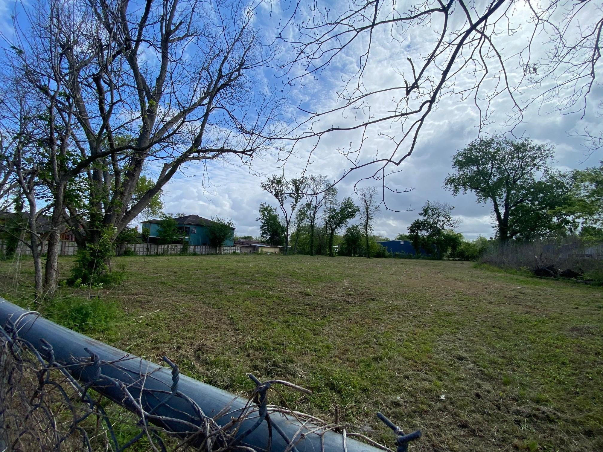 4821 1st Street Property Photo