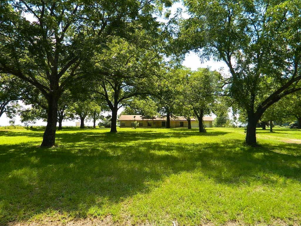 825 FM 80 Property Photo - Teague, TX real estate listing