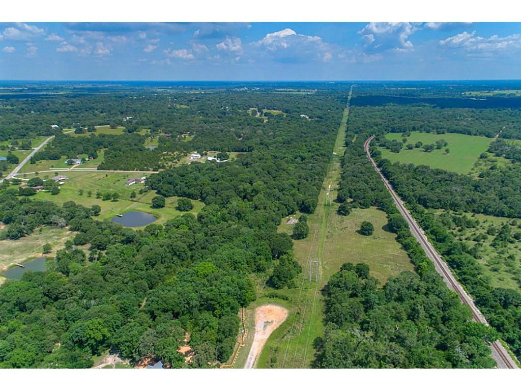761 Meadow Bend Road, Bellville, TX 77418 - Bellville, TX real estate listing