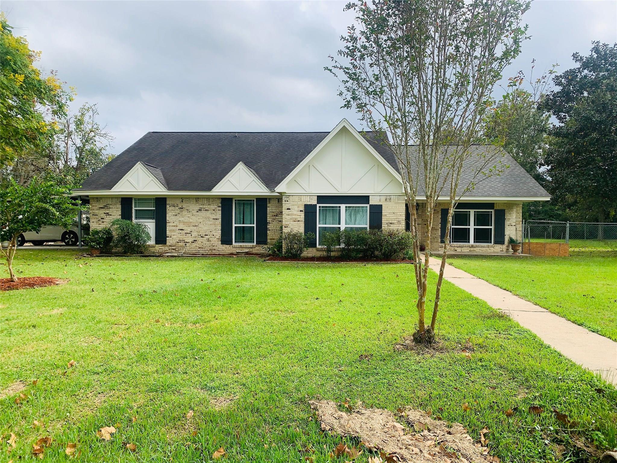 545 Elm Street Property Photo - Sour Lake, TX real estate listing