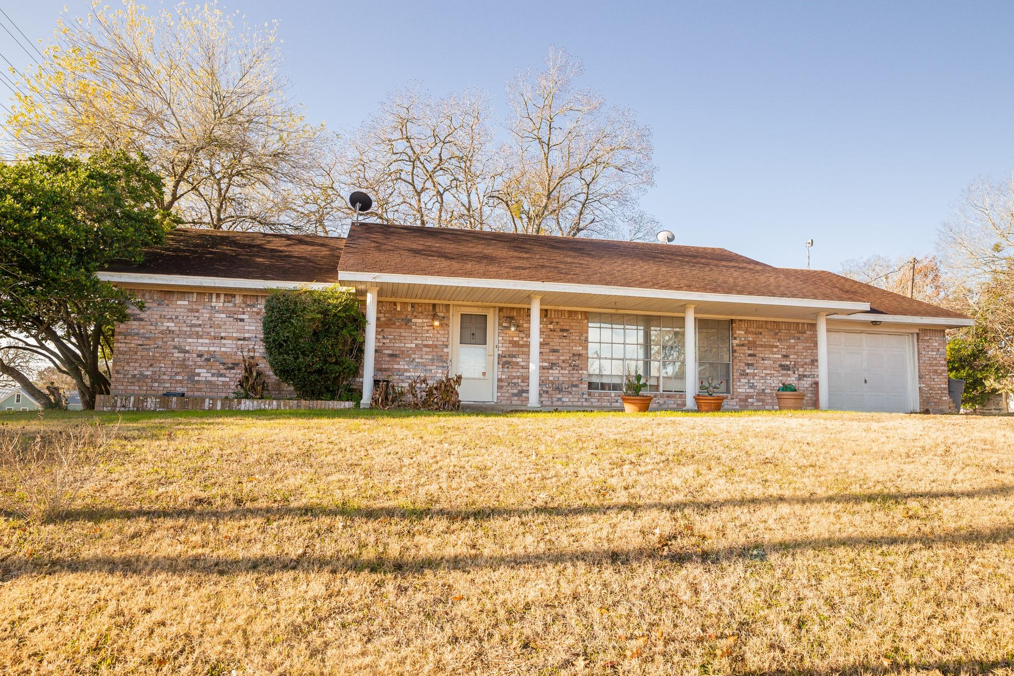 201 N Brazos Street Property Photo - Burton, TX real estate listing
