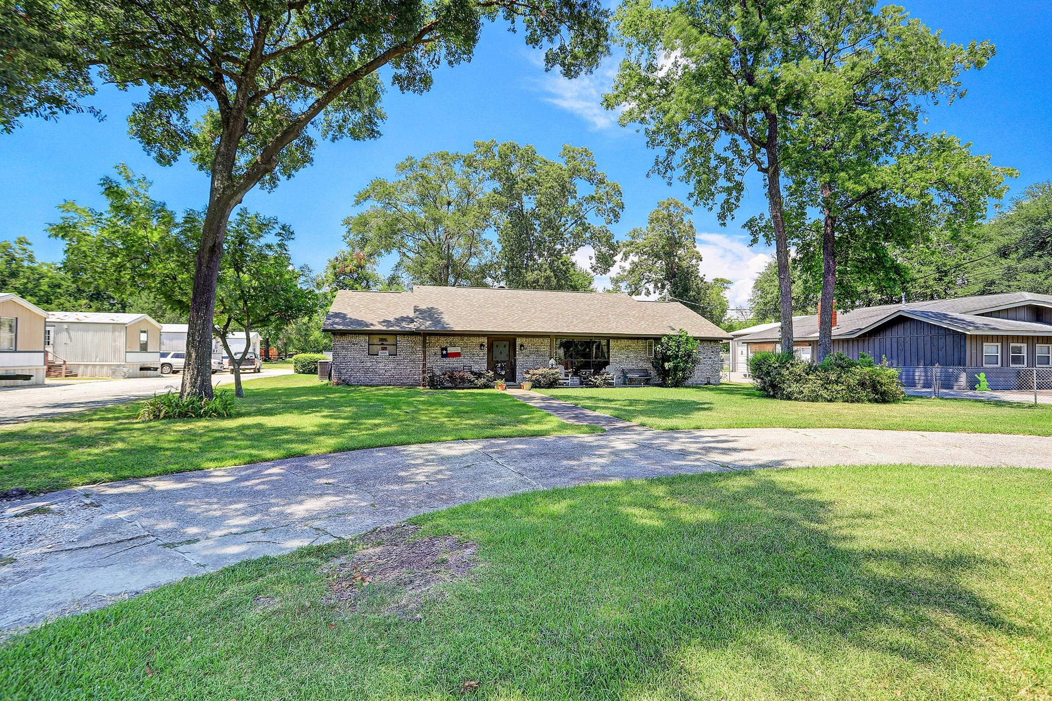 15435 N Brentwood Street Property Photo - Channelview, TX real estate listing