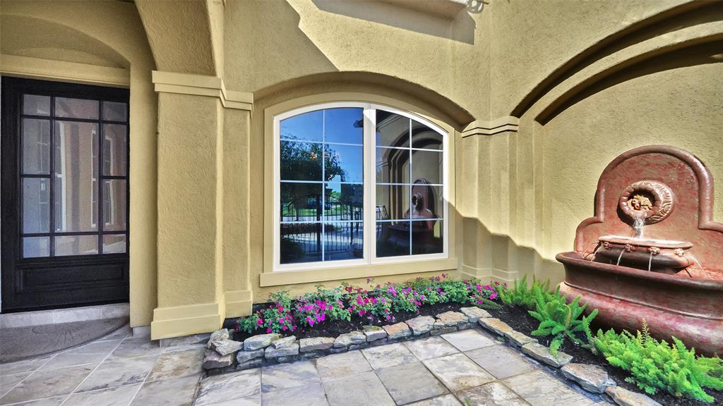 3905 Breezeway Court Property Photo - Seabrook, TX real estate listing