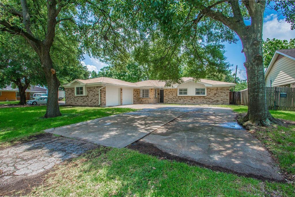 2212 S Houston Road Property Photo