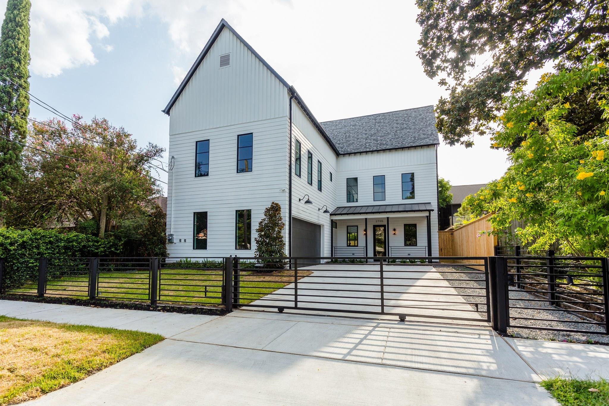 2705 Julian Street Property Photo - Houston, TX real estate listing