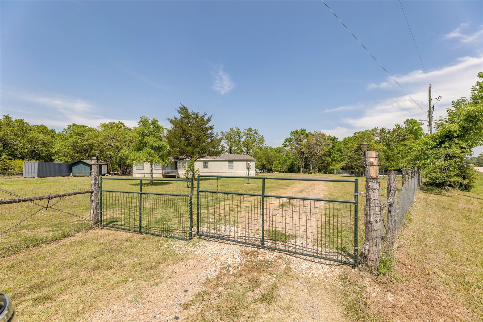 14336 Highway 21 W Property Photo